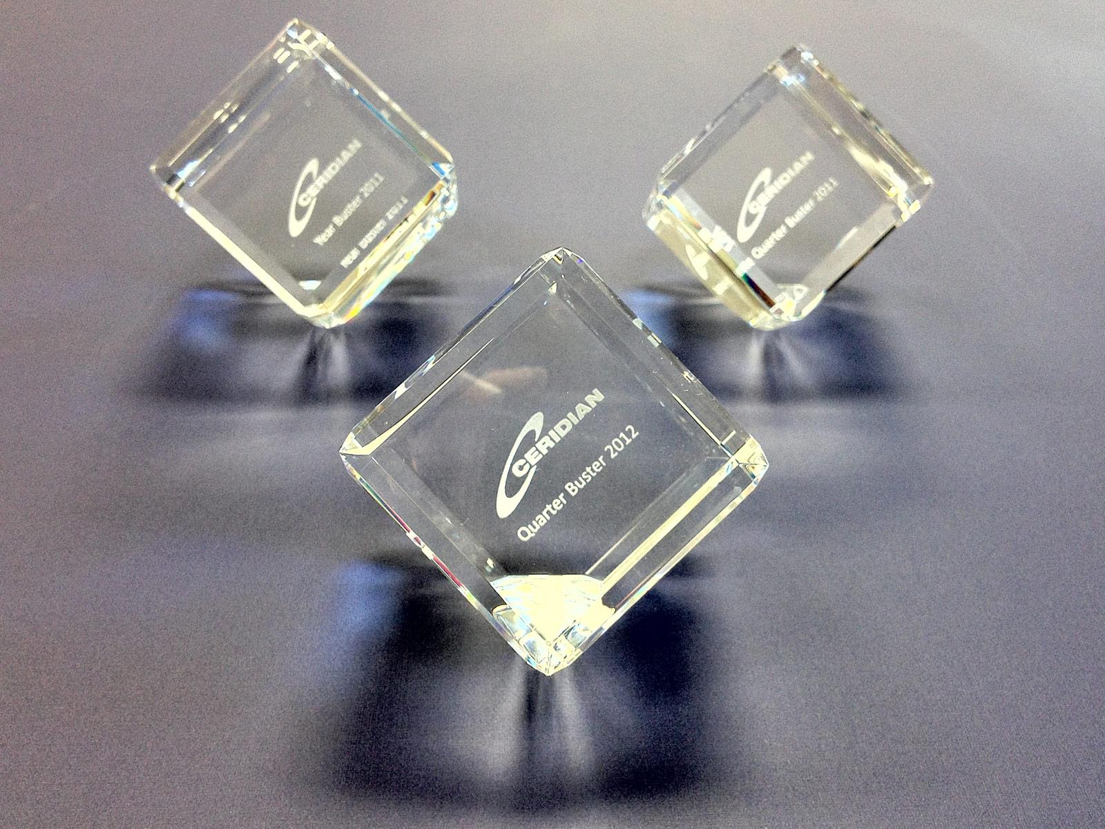 Cube presse papier pour Ceridian
